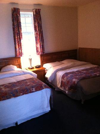 Hotel-Motel La Cote Surprise: Suite à deux lits