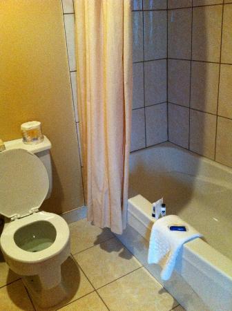 Hotel-Motel La Cote Surprise: Salle de bain