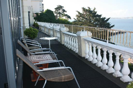 Astor House Apartments: along the balcony