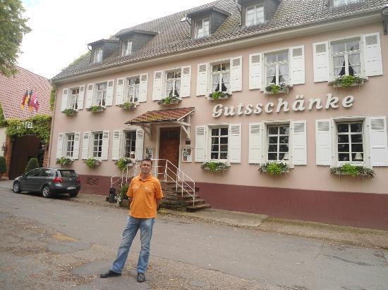 Grenzhof Hotel & Restaurant: Julio 2012. A la entrada del hotel
