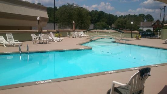 Best Western Southlake Inn: Pool