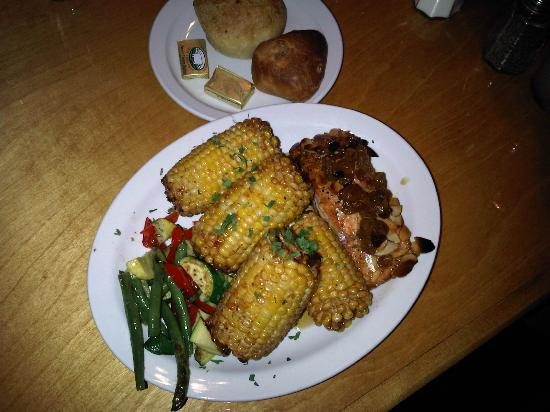 Strudel Cafe: Salmon w/ Corn-on-the-cob