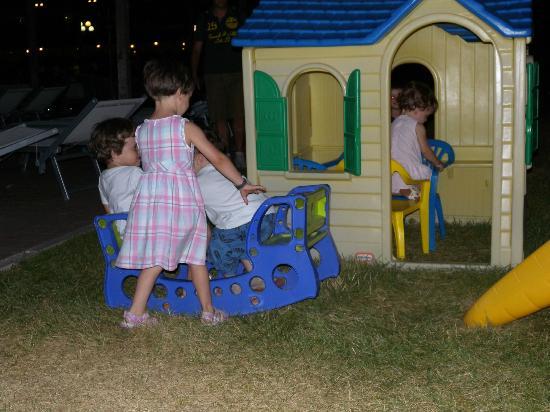 Hotel Portogreco: I pochi giochi per i bimbi