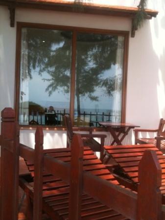 Sunrise Hotel: бунгало с видом на море