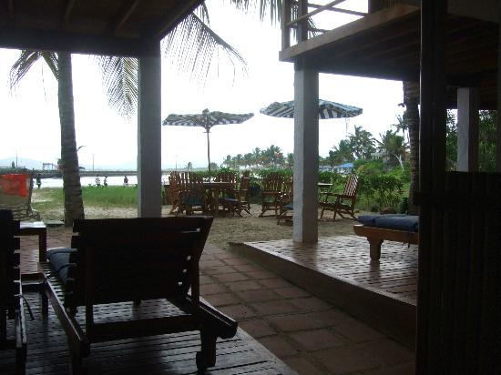 La Casa de Marita: View of outside public eating area from our room