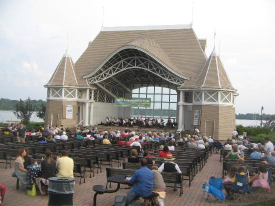 Summer Series - Pop's Concert - Lake Harriett - July 2012