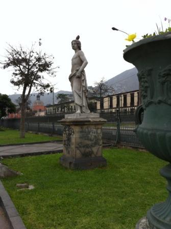 Museo de los Descalzos: Alameda de los Descalzos.