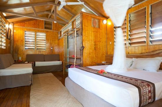 Robinson Crusoe Island Resort: Island Lodge Interior