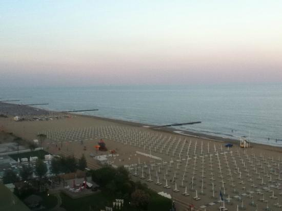 Adriatic Palace Hotel: sunrise view from balcony