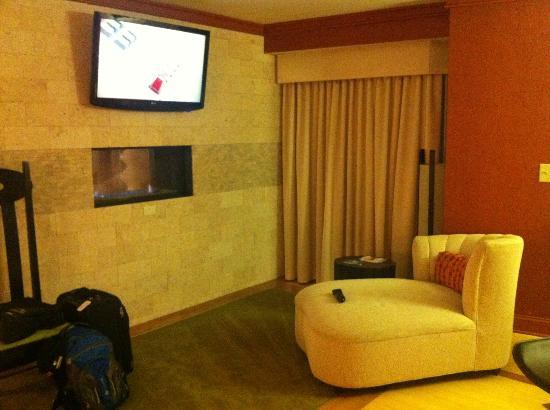 羅利特勒姆機場/石南木河合博套房飯店照片