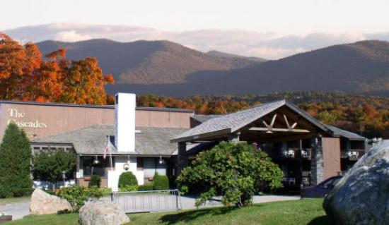 ‪Cascades Lodge and Restaurant‬