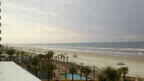 Holiday Inn Resort Daytona Beach Oceanfront: View from 4th floor balcony looking North.