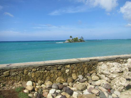 Naked island - Picture of Couples Tower Isle, Ocho Rios
