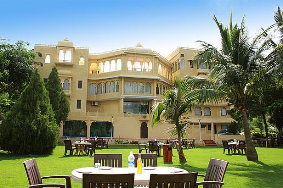 Udaipur Hotels 3 Star Labh Garh Palac...