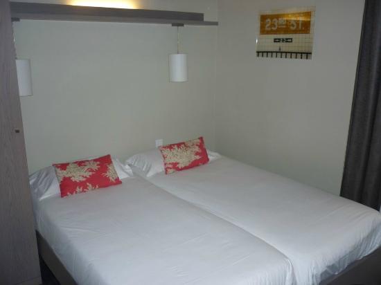 Villa des Princes: Twin room, third floor