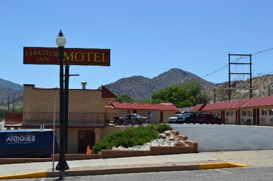 Parkview Inn Motel : Easy Parking