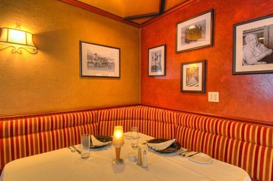 Delaney's Bistro : Groups welcome.  Please call for reservations