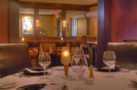 Delaney's Bistro : We accept, and recommend reservations for both lunch and dinner service.