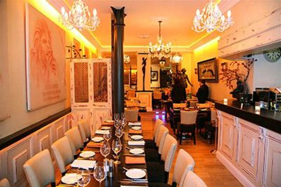 Our front room picture of darwins restaurant dublin for Best private dining rooms dublin