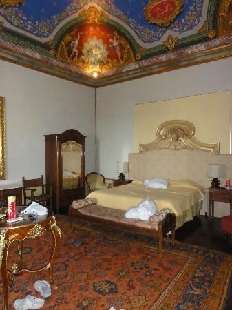 Hotel Bosone Palace: Quarto principal da suite junior