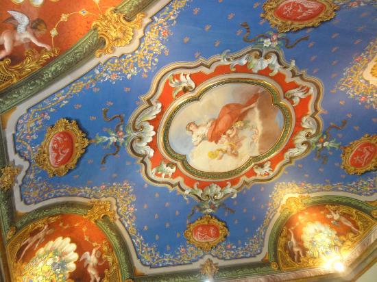 Hotel Bosone Palace: Teto da suite junior