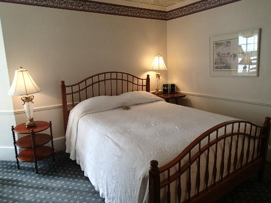 Stafford's Bay View Inn: Primrose Room