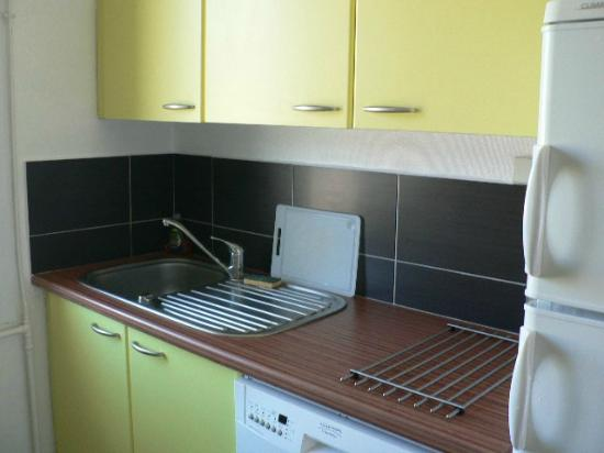 Villas Heol: Kitchen