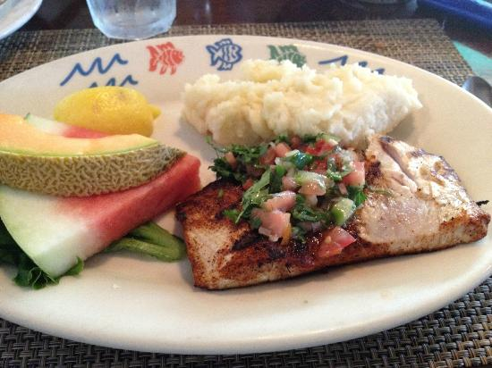Harbor Grill Restaurant : Mahi Mahi--delicious