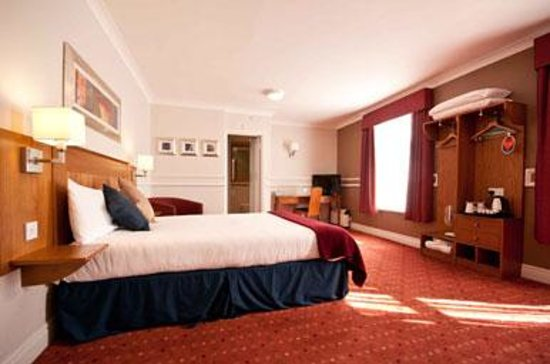 Bedroom at the Innkeeper's Lodge Norwich