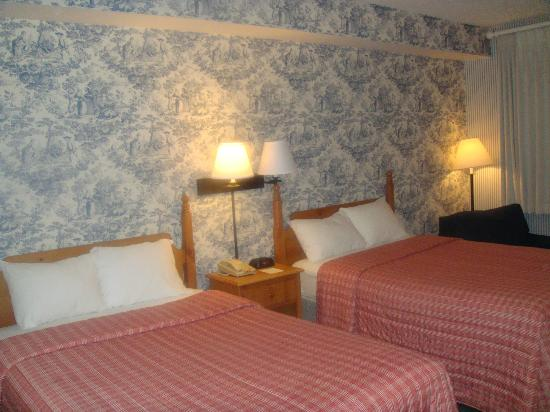 Woodlands Hotel & Suites - Colonial Williamsburg: Room