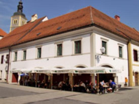 Pansion-Restoran Garestin Photo