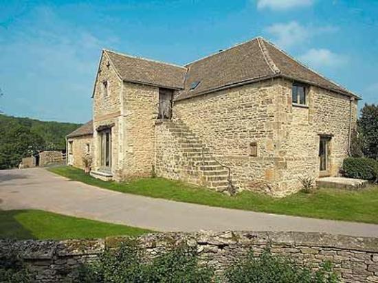Tom's Barn Photo
