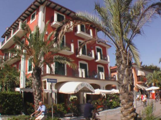 Marina di Pietrasanta Italy  city photos : Hotel Belmare Marina di Pietrasanta, Italy Tuscany Hotel Reviews ...