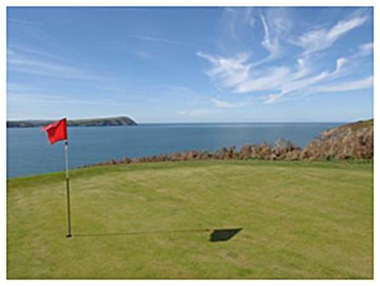 Newport Links Golf Resort