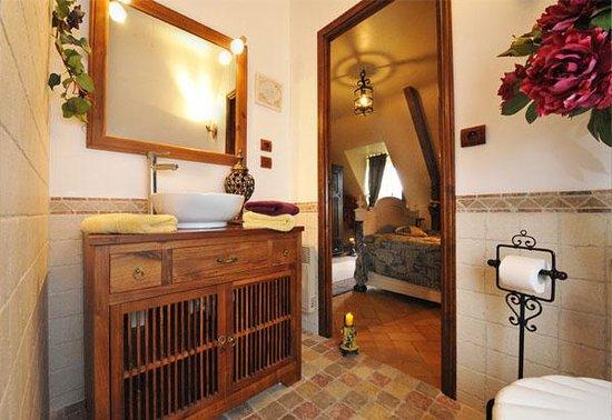 le lys de castelnaud : salle de bain