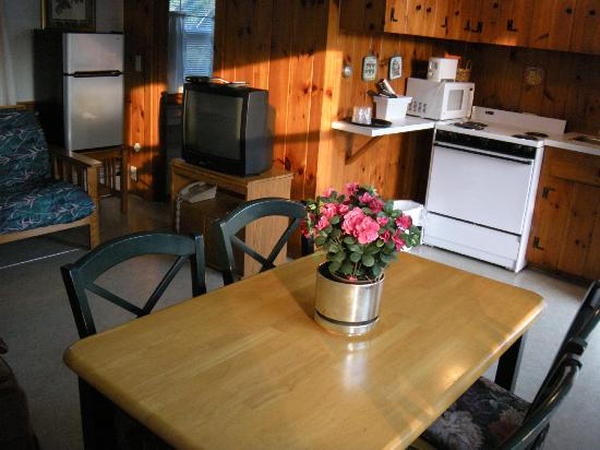 Bass River Motel: kitchen