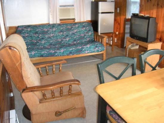 Bass River Motel: living area