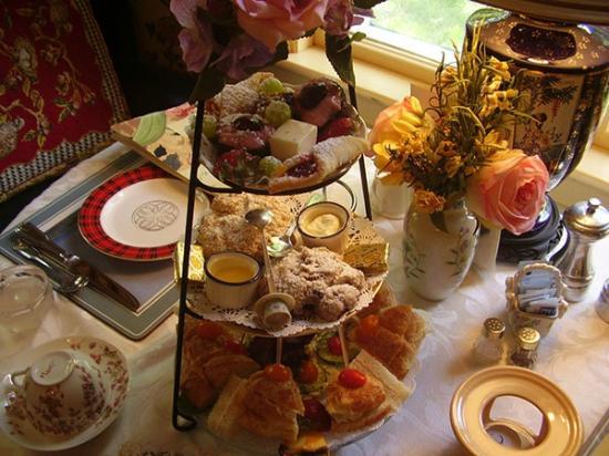 Clipper Merchant Tea House: High Tea