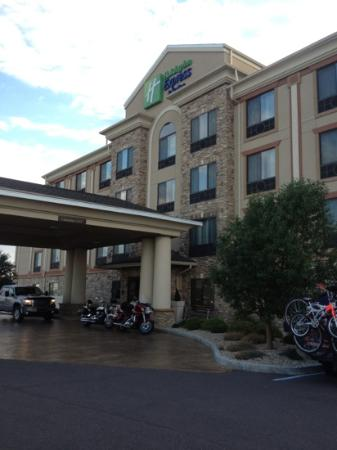 Holiday Inn Express Hotel & Suites Mitchell : the front
