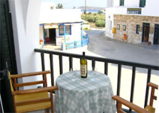 Hotel Ivi Photo