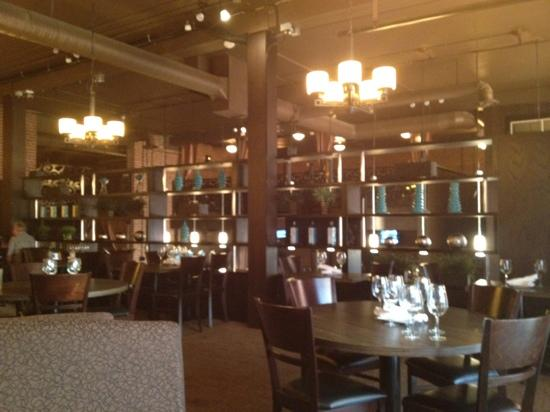 One Eleven Grill: dining room