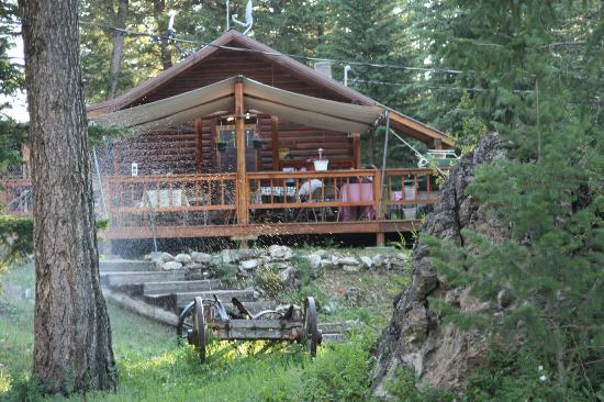 K Bar Z Guest Ranch: Ranch Common Building (Meals & Relaxing)