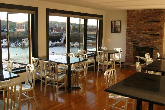 Atlantic Pizza Company: Dining area at Atlantic Pizza