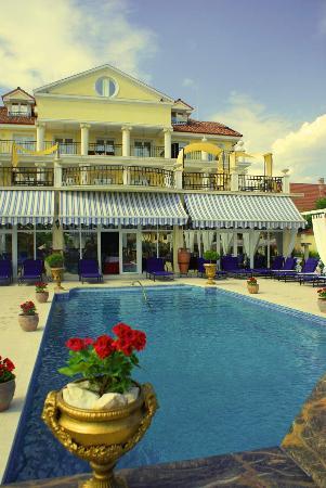 Photo of Hotel Elysee Timisoara