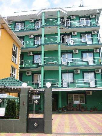 8 Nebo Hotel