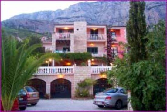 Villa Bougenvilia