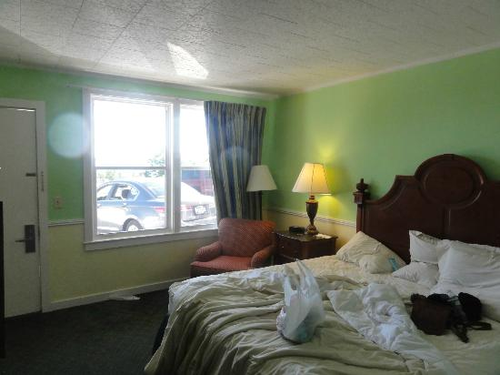 Days Inn Bar Harbor: King Bedroom