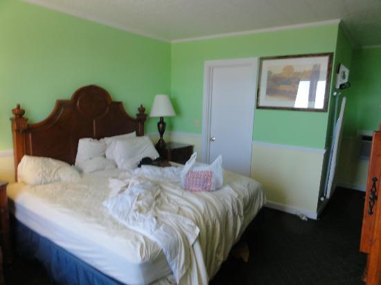 Days Inn Bar Harbor/Frenchman's Bay: King Bedroom