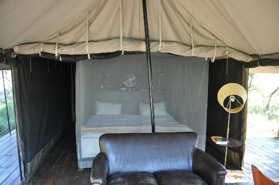 Honeyguide Tented Safari Camps: Bed in tent