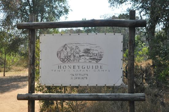 Honeyguide Tented Safari Camps: Entrance sign